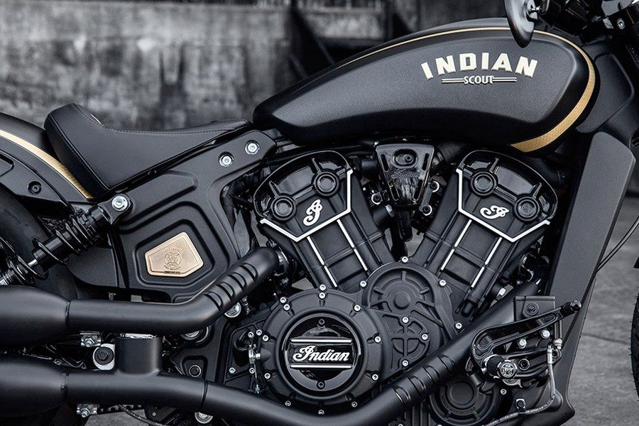2018-indian-scout-bobber-jack-daniels-edition-03