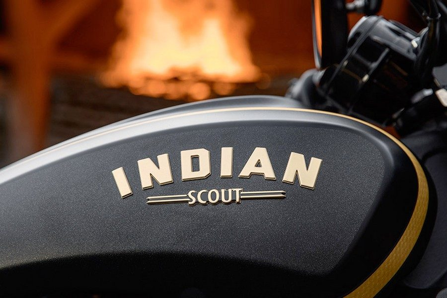 2018-indian-scout-bobber-jack-daniels-edition-04