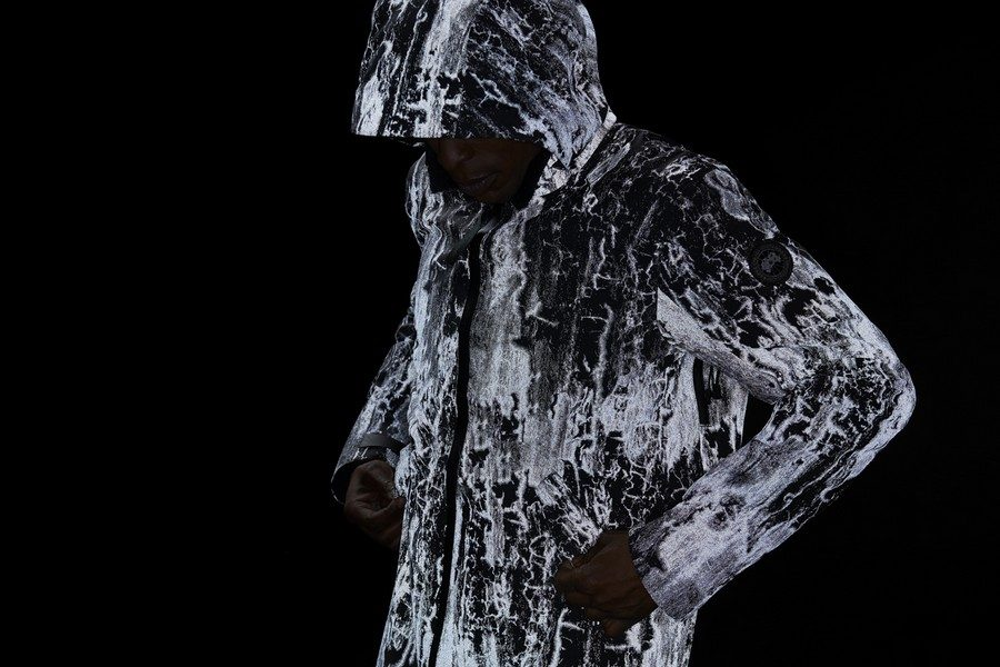canada-goose-reflective-birch-bark-print-jackets-02