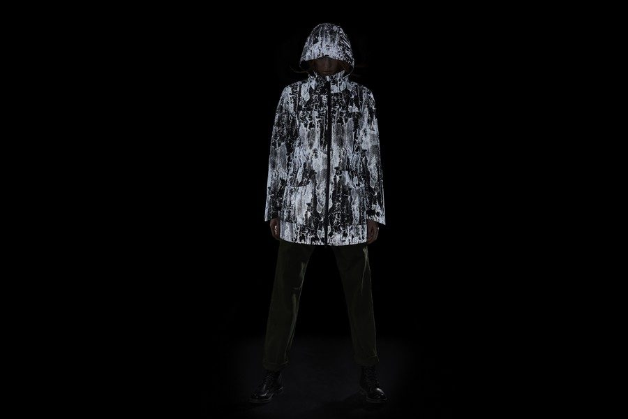 canada-goose-reflective-birch-bark-print-jackets-06