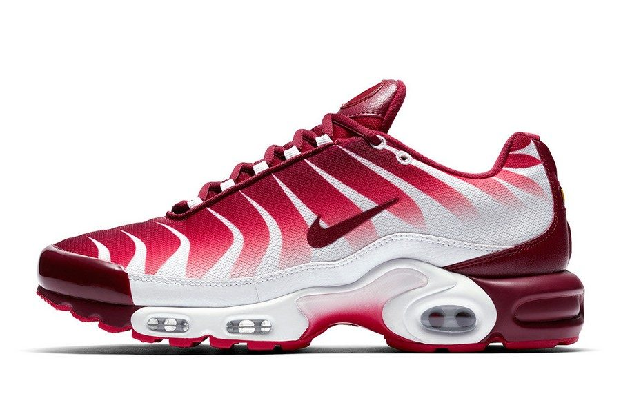 nike-air-max-plus-shark-inspired-tuned-air-04
