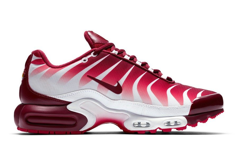 nike-air-max-plus-shark-inspired-tuned-air-05