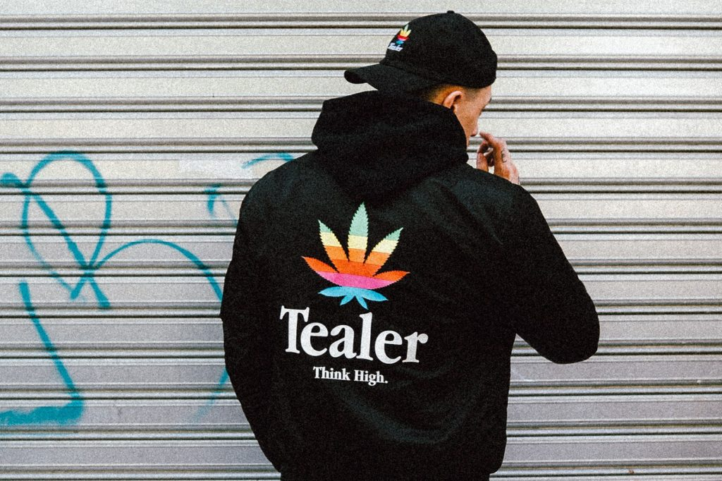 "TEALER révèle sa collection ""Think High"" et sa collab. avec Schott"