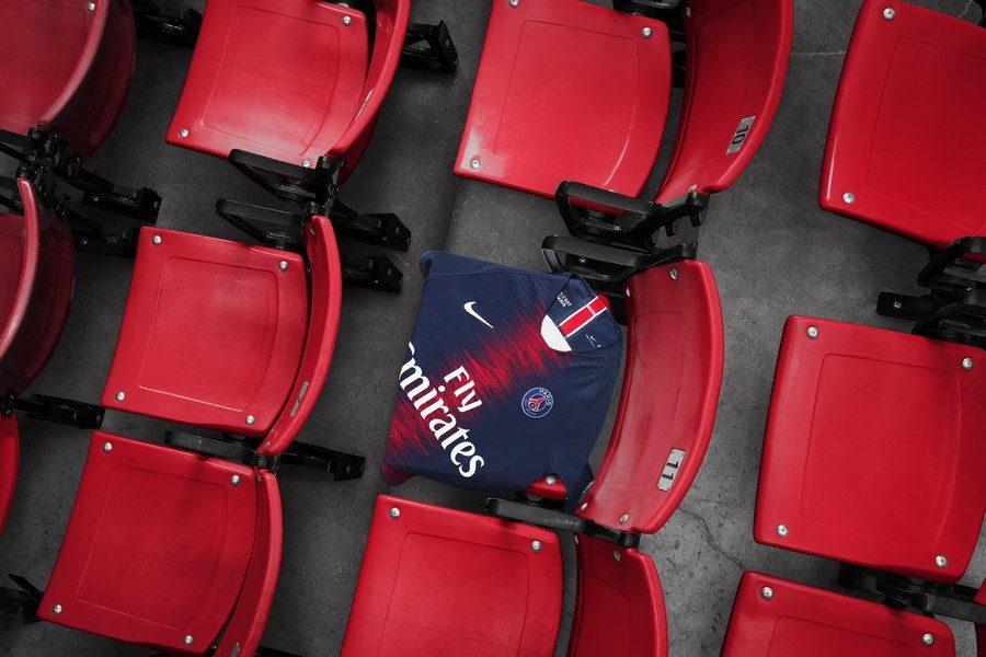 nike-football-x-psg-presentent-nouvelle-tenue-pour-la-saison-20182019-03