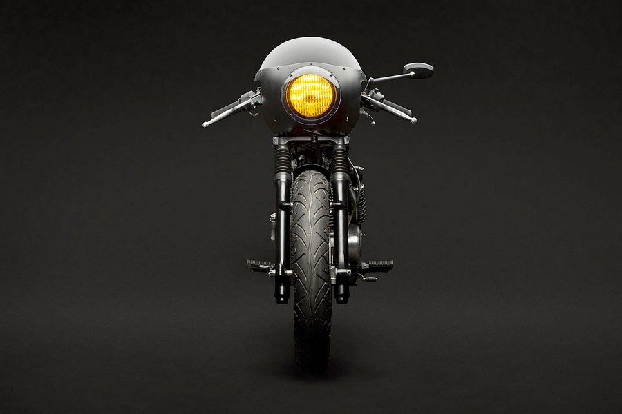 suzuki-gn400-vampire-slayer-par-tattoo-moto-02