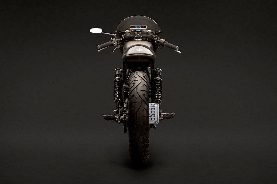 suzuki-gn400-vampire-slayer-par-tattoo-moto-05