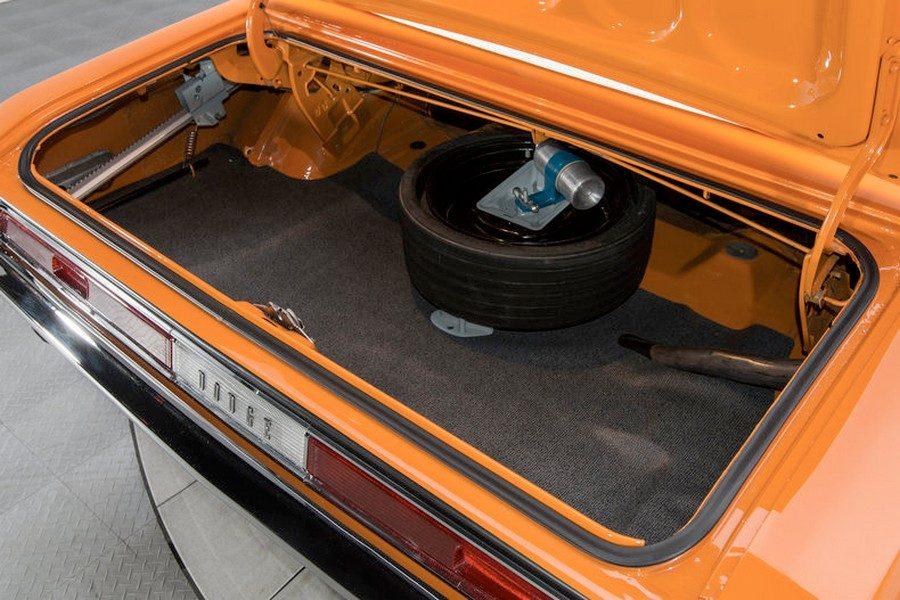 1970-dodge-challenger-r-t-12