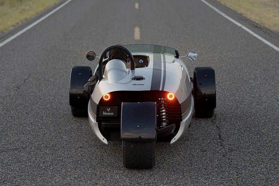 vanderhall-venice-speedster-03