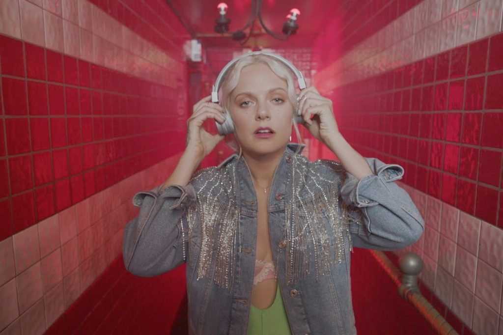 "Urbanears ""Listen to yourself"" x Tove Lo"