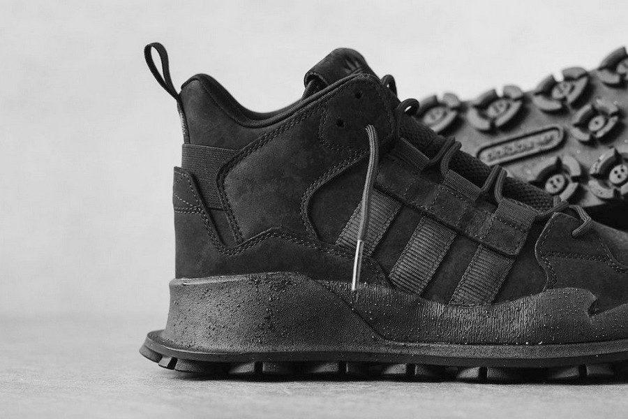 adidas–f1-3-le-triple-black-02