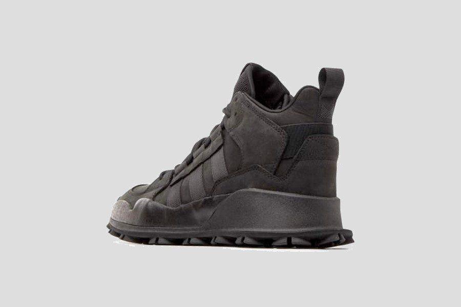 adidas–f1-3-le-triple-black-06
