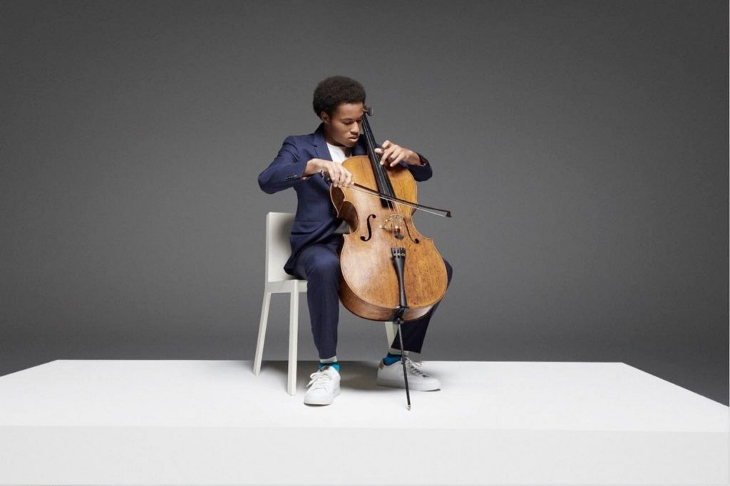 "Campagne Sheku Kanneh-Mason x Paul Smith ""A Suit To Travel In"""