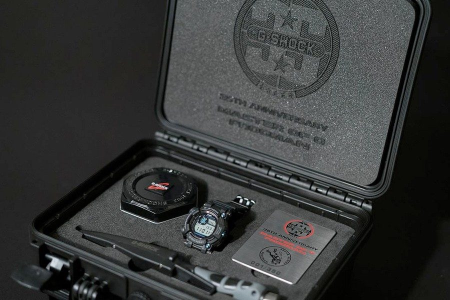 g-shock-frogman-gwf-d1000b-1ltd-35th-anniversary-collectors-set-with-diving-knife-01
