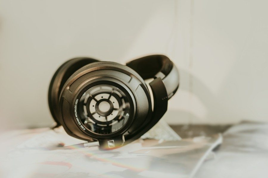sennheiser-hd-820-headphones-02