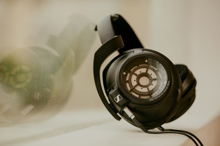 sennheiser-hd-820-headphones-03