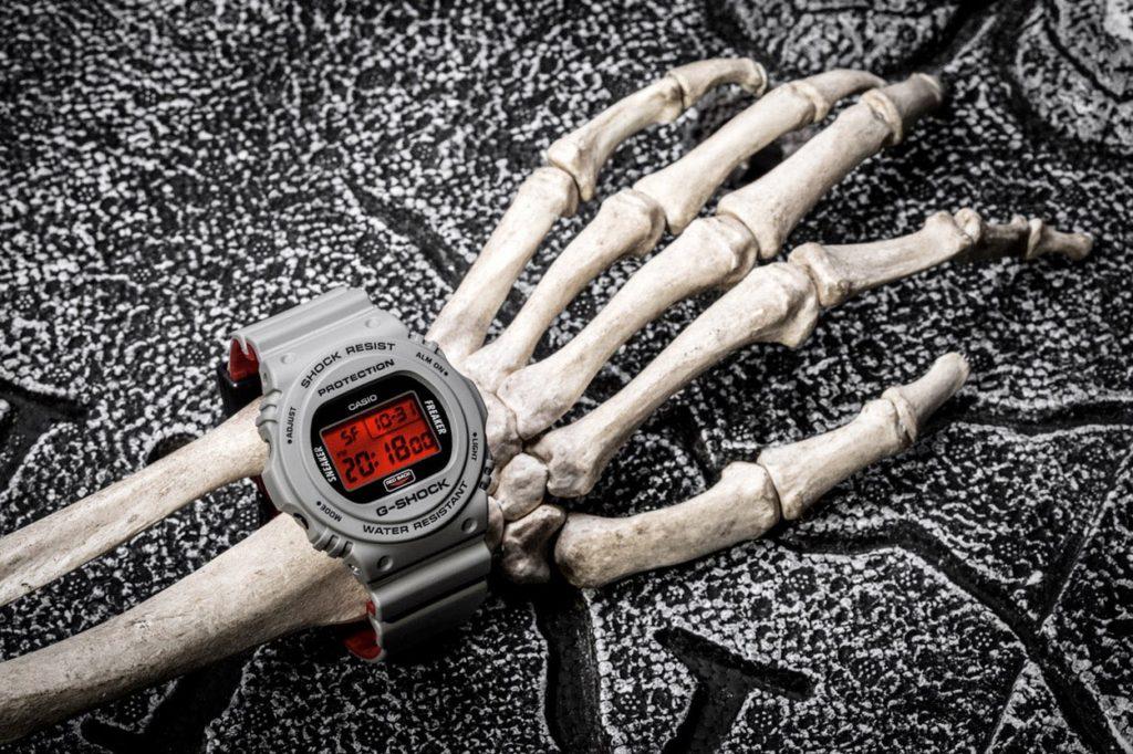 """Sneaker Freaker x G-Shock DW-5700 """"Redback"""""""