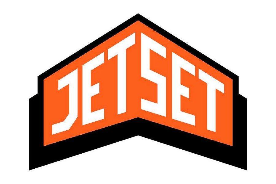 MICHALSKY-x-JETSET-01b