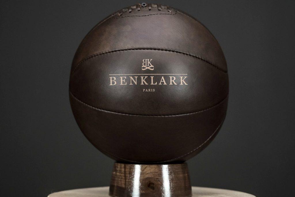 Benklark réédite un ballon de basket décoratif collector en édition limité