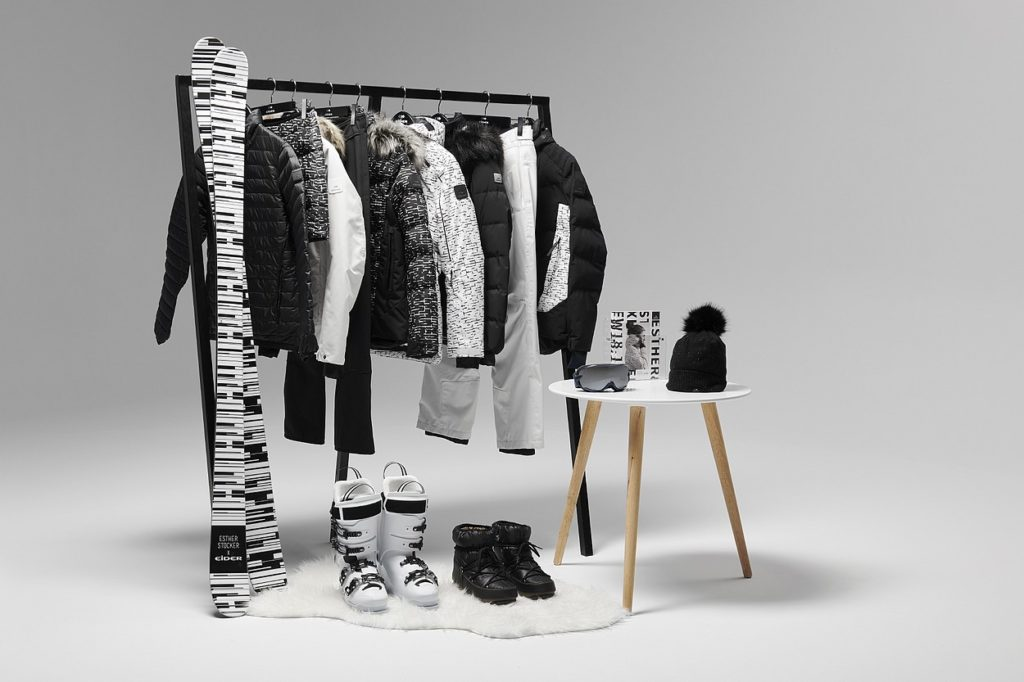 "Collection capsule Esther Stocker x Eider ""CONTRAST"""