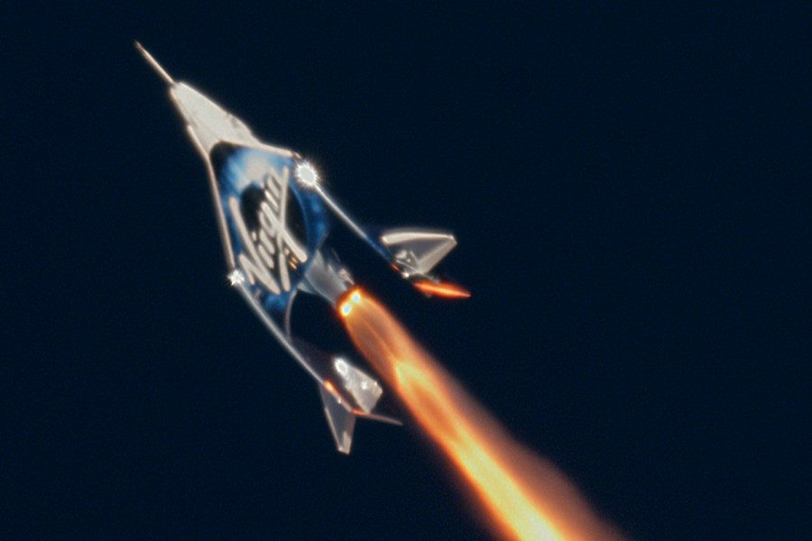 under-armour-partners-with-virgin-galactic-04