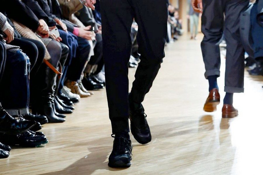 comme-des-garcons-new-balance-fall-2019-preview-collection-04