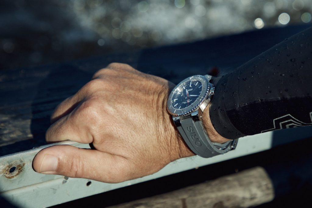 Oris fait évoluer sa ligne de montres de plongée Aquis Date