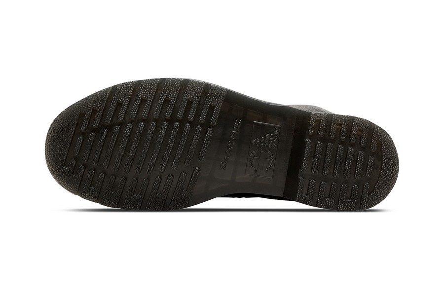 drmartens-st-patricks-1460-boots-10