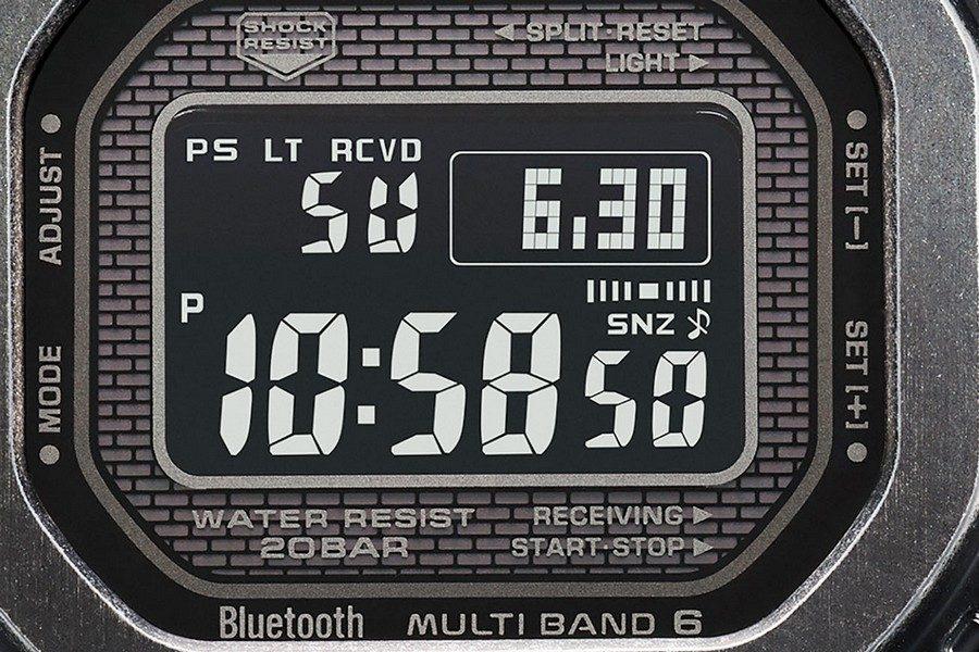 g-shock-gmw-b5000v-1-full-metal-black-aged-ip-watch-02