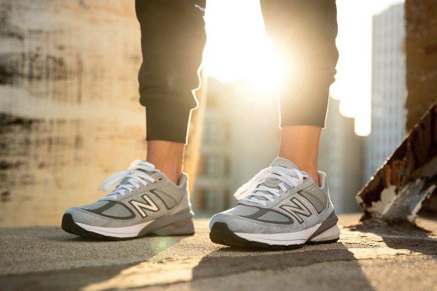 new-balance-990v5-qneaker-01
