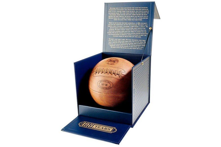 spalding-125eme-anniversaire-ballon-de-basket-en-cuir-horween-03