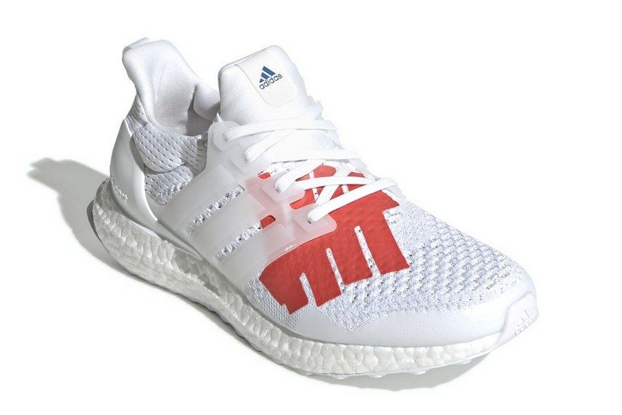undefeated-x-adidas-ultra-boost-stars-stripes-03