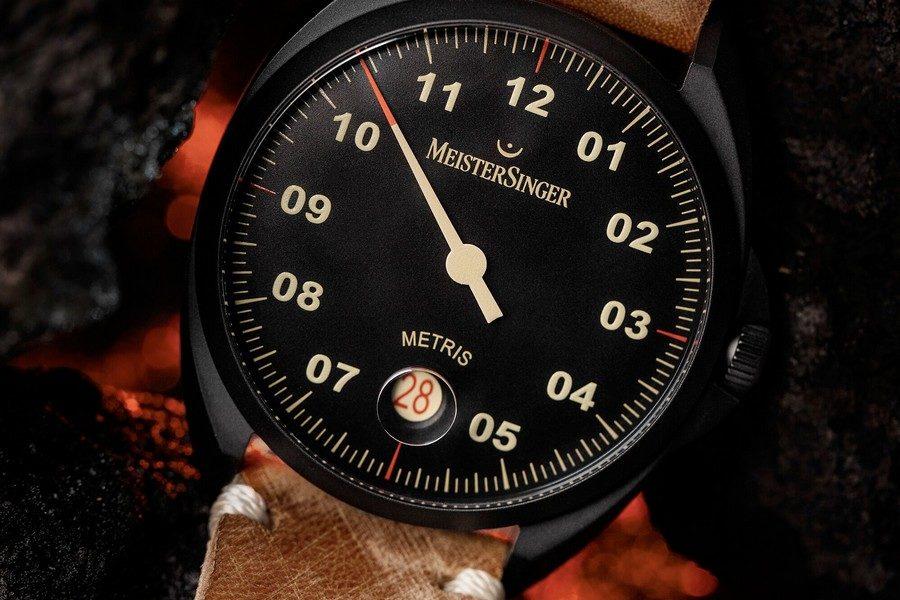 montre-meistersinger-metris-black-02