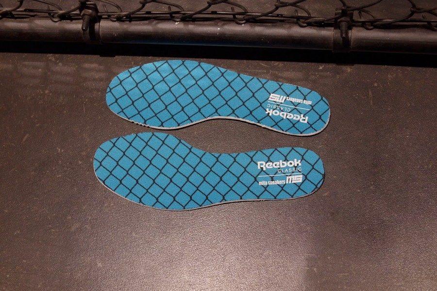 mita-sneakers-x-bal-reebok-aztrek-06