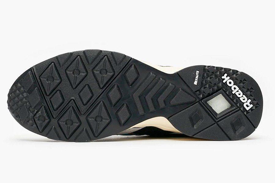 mita-sneakers-x-bal-reebok-aztrek-12