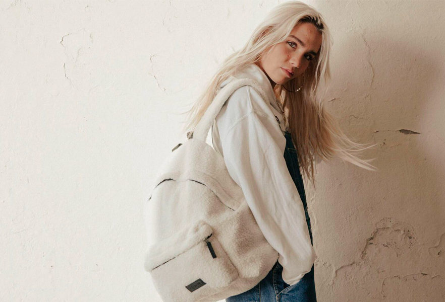 a-day-in-brighton-eastpak-holiday-2019-campagne-01