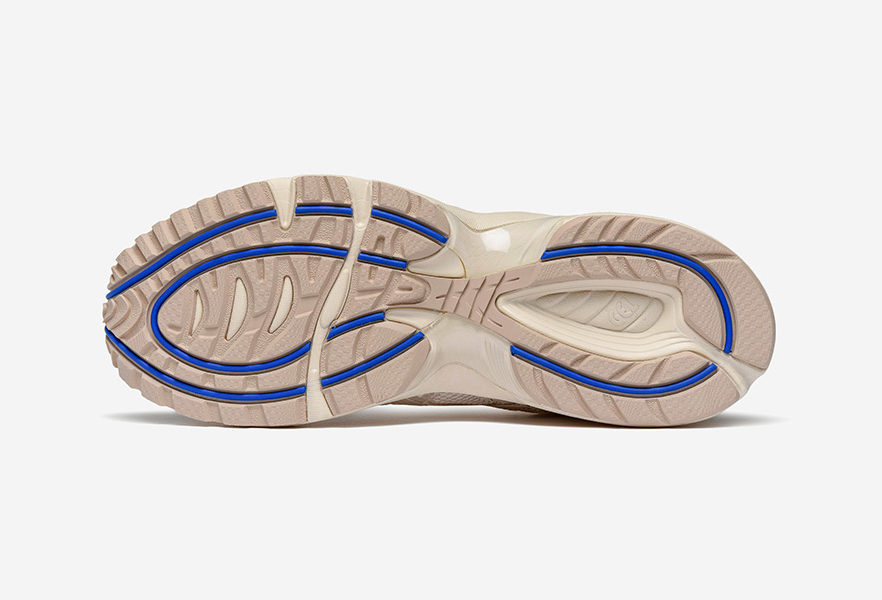 above-the-clouds-asics-gel-1090-sneaker-08