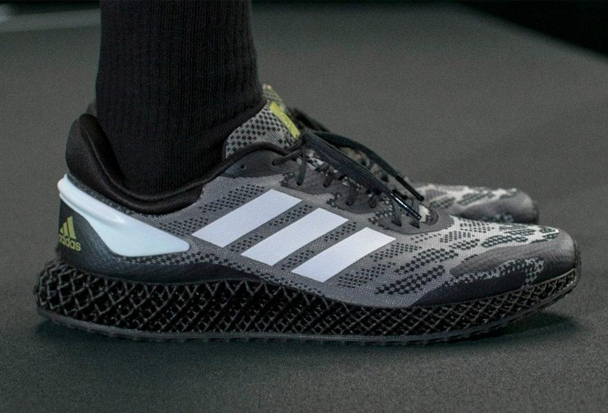 adidas-4d-run-1-0-core-black-cloud-01