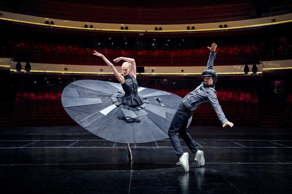 """G-Star présente """"le Ballet de Distanciation Sociale"""""""