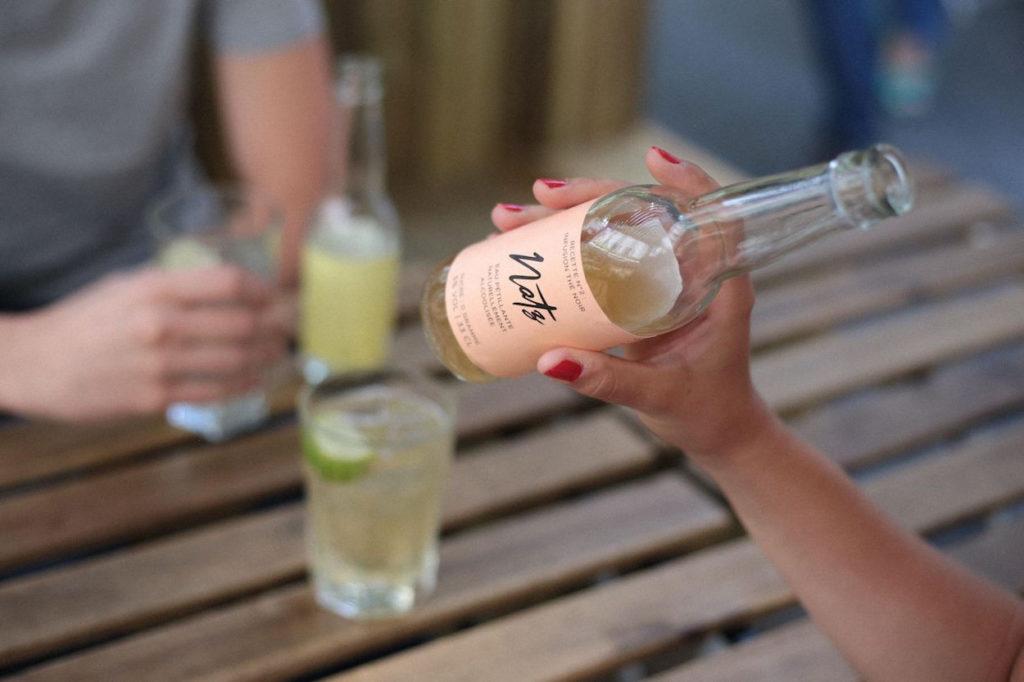Natz, l'eau pétillante alcoolisée arrive en France