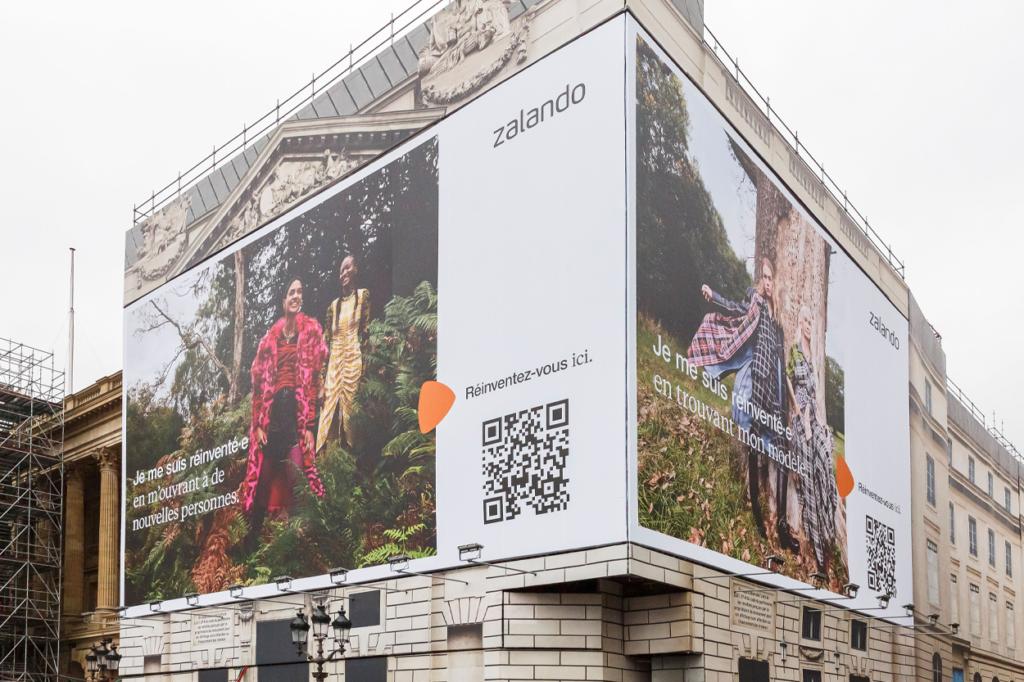 Campagne Zalando Automne/Hiver 2020 en AR place de la Concorde, à Paris