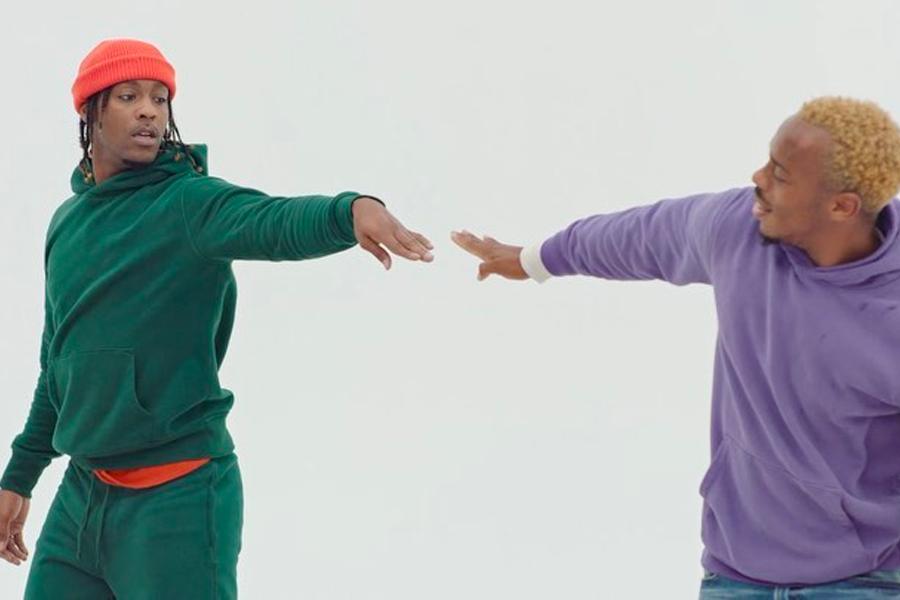 Gap invite Lil Buck et Myles Yachts à participer à une nouvelle publicité en hommage aux années 90