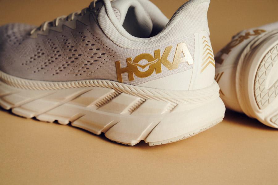 "HOKA One ONE ""Gold Pack"" édition limitée"