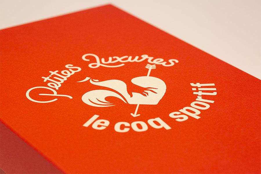 Petites Luxures x le coq sportif Blazon
