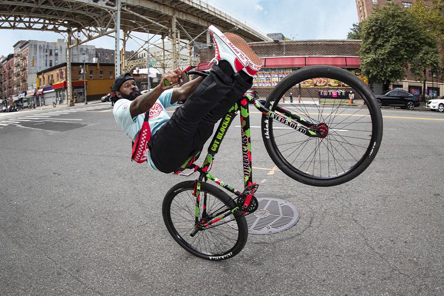 Vans et SE Bikes célèbrent la culture du vélo avec une collection ...