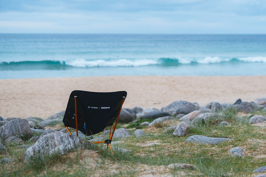 Chaise de camping recyclée Helinox x Finisterre